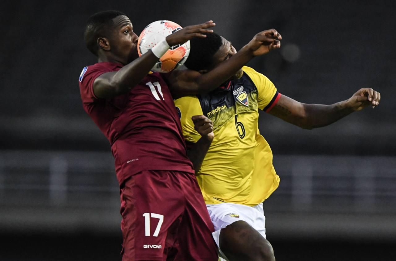 El técnico Jorge Célico arremete contra directivos del fútbol ecuatoriano, después de la eliminación de Ecuador del Preolímpico