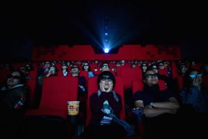 Ecuador – Semáforo amarillo en julio: Se abren cines, reuniones de 25 personas y velorios