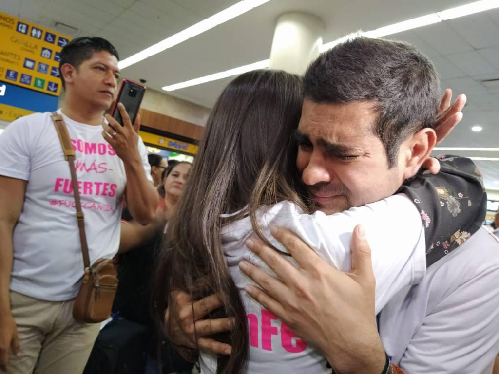 LUIS ANTONIO RUIZ RETORNA A ECUADOR, TRAS GANAR LUCHA CONTRA EL CÁNCER